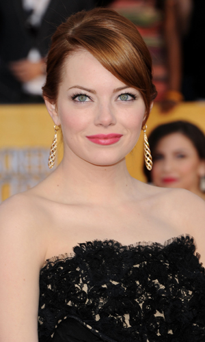 "BEAUTY - ""It Girl"" Meets Girl-Next-Door: Emma Stone Shines ... Emma Stone Maniac"